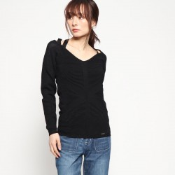 Guess women's sweater